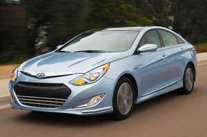 Facelifted 2013 Hyundai Sonata, tomorrow