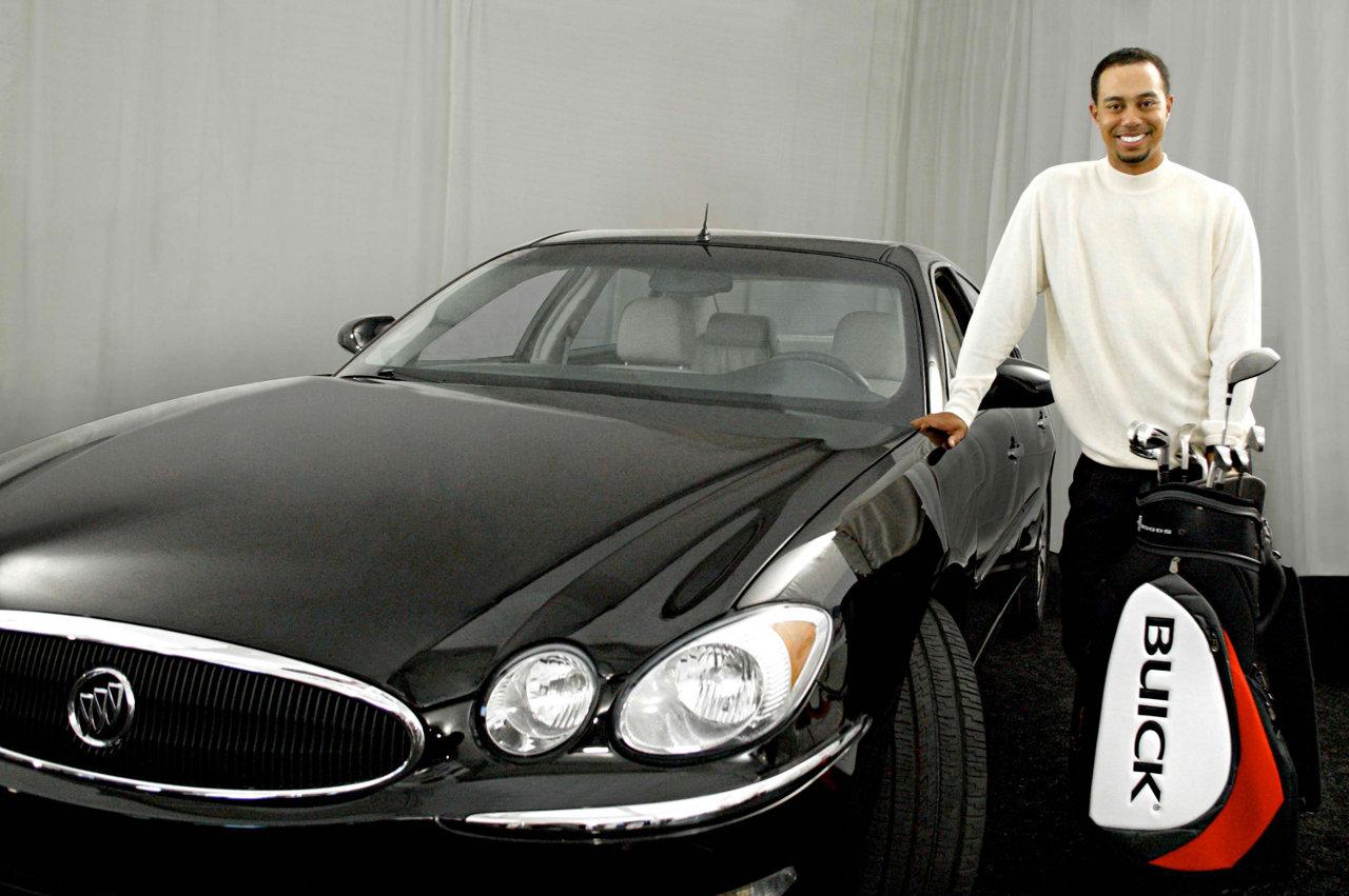 Buick Re Hires Tiger Woods Autoblopnik